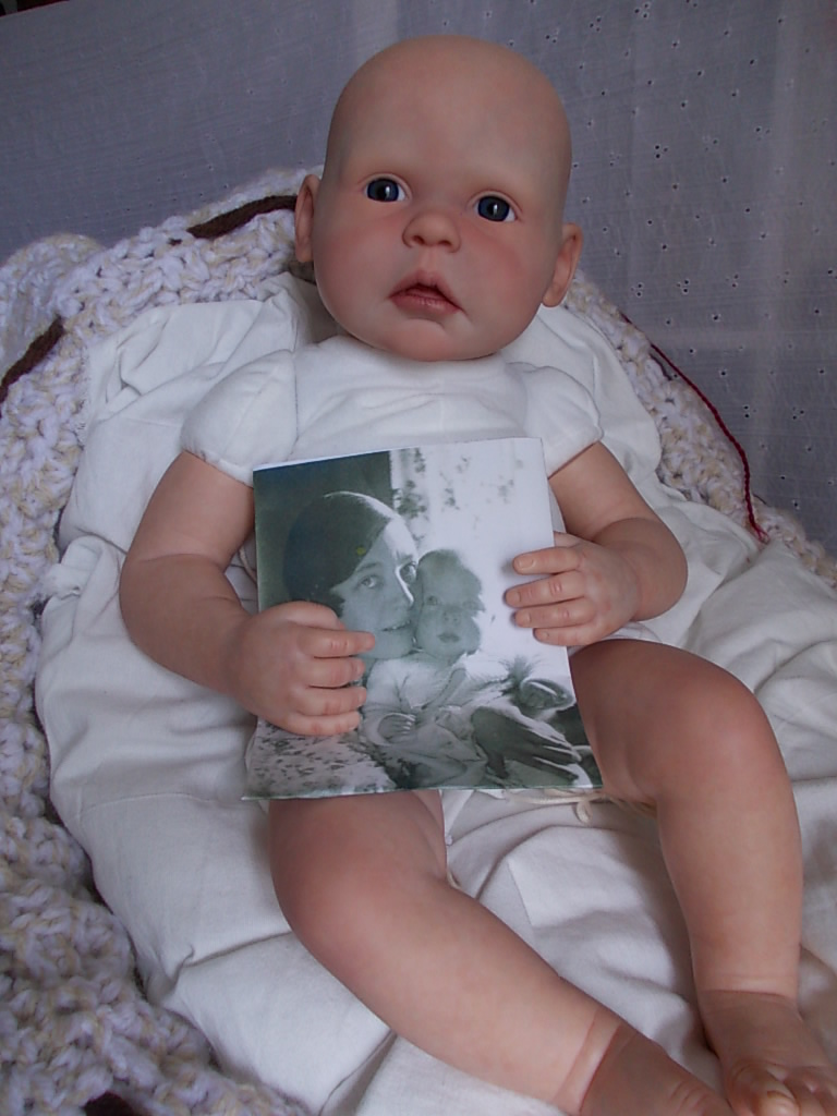 Portrait baby - reborn doll - Gracie sculpt by Ann Timmerman - reborn by Sharla Field of silverymooncherubs.com